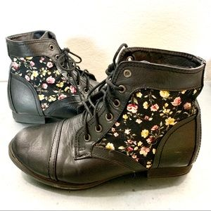 Wet Seal Rose and Black Lace Up Hightop Booties